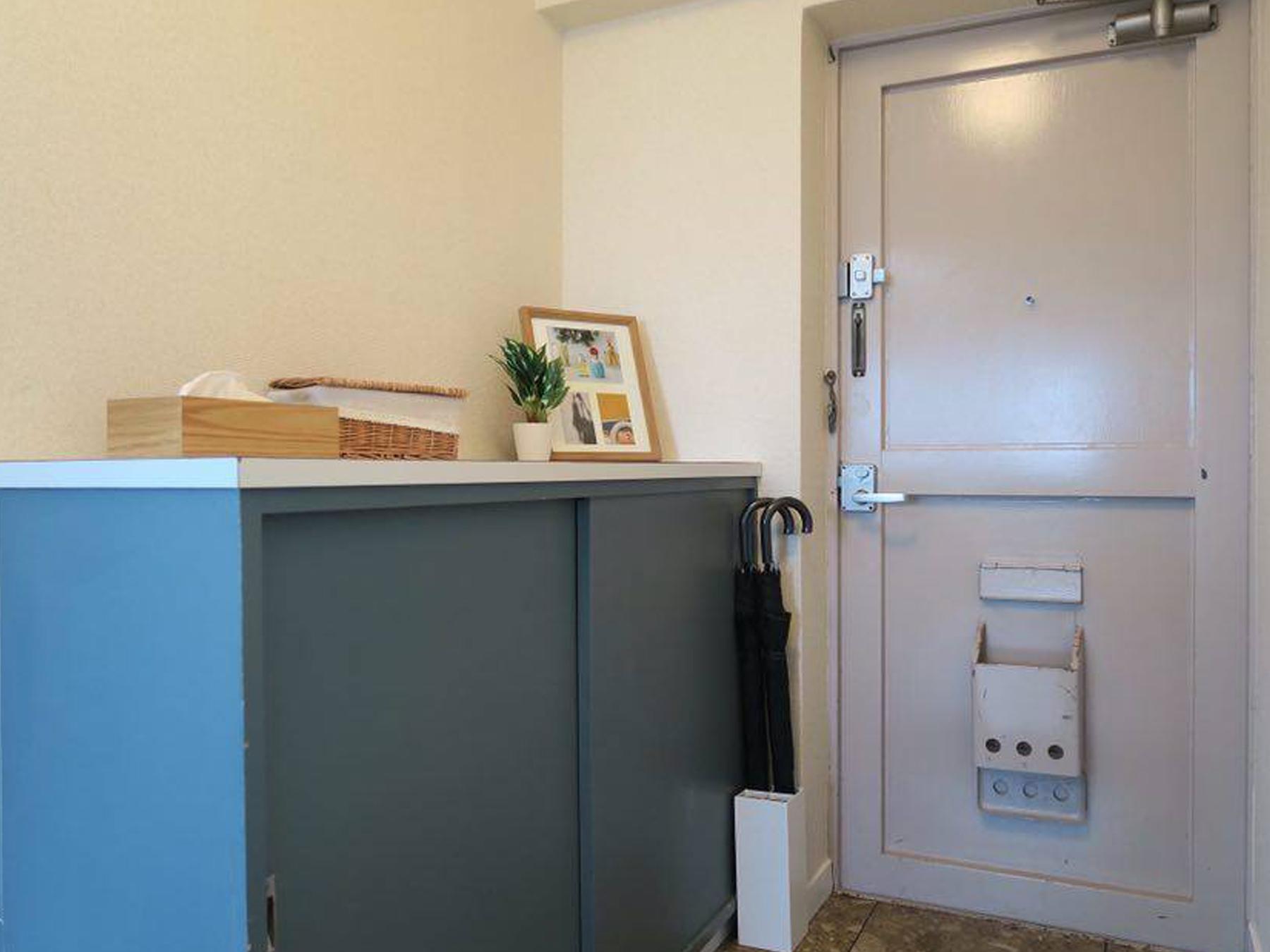 【玄関収納】マグネットシートを活用した快適な玄関へ。傘立ての問題もこれで解決です!